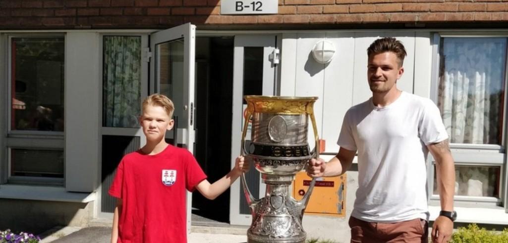 Антон Ландер привёз Кубок Гагарина в Швецию