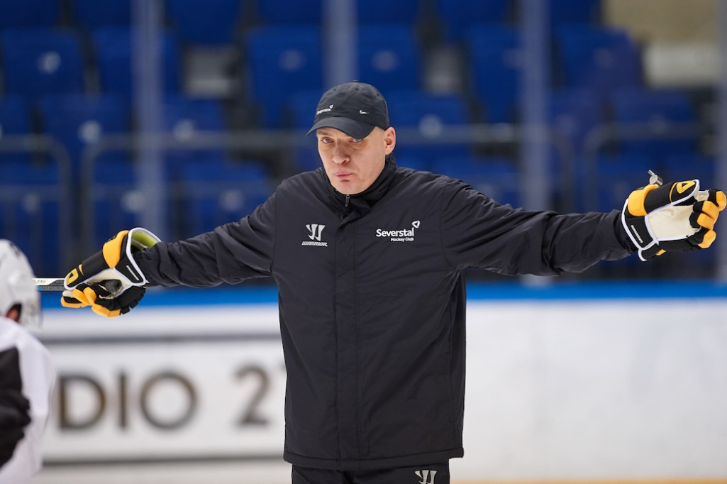 Андрей Разин: «При знакомстве сказал игрокам: «Я не кусаюсь!»