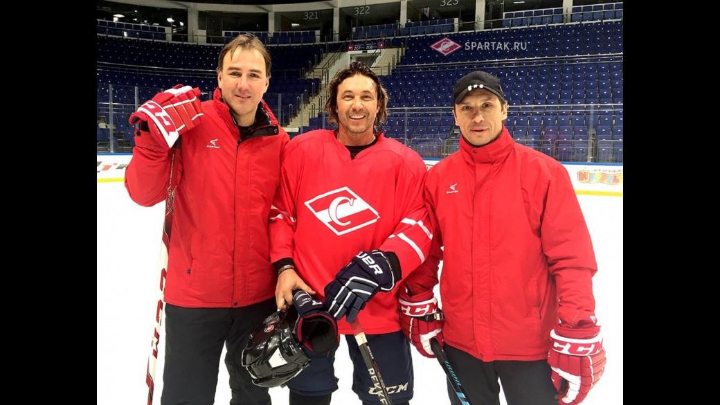 Александр Мостовой: «Пусть и на уколах, но всё равно играю в хоккей»